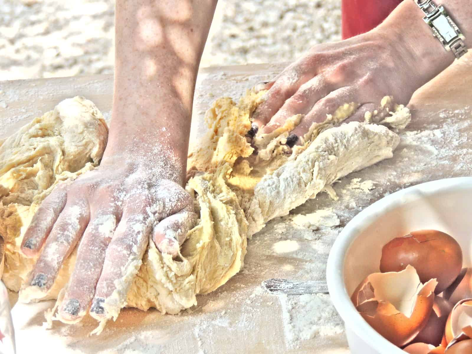 How to knead bread