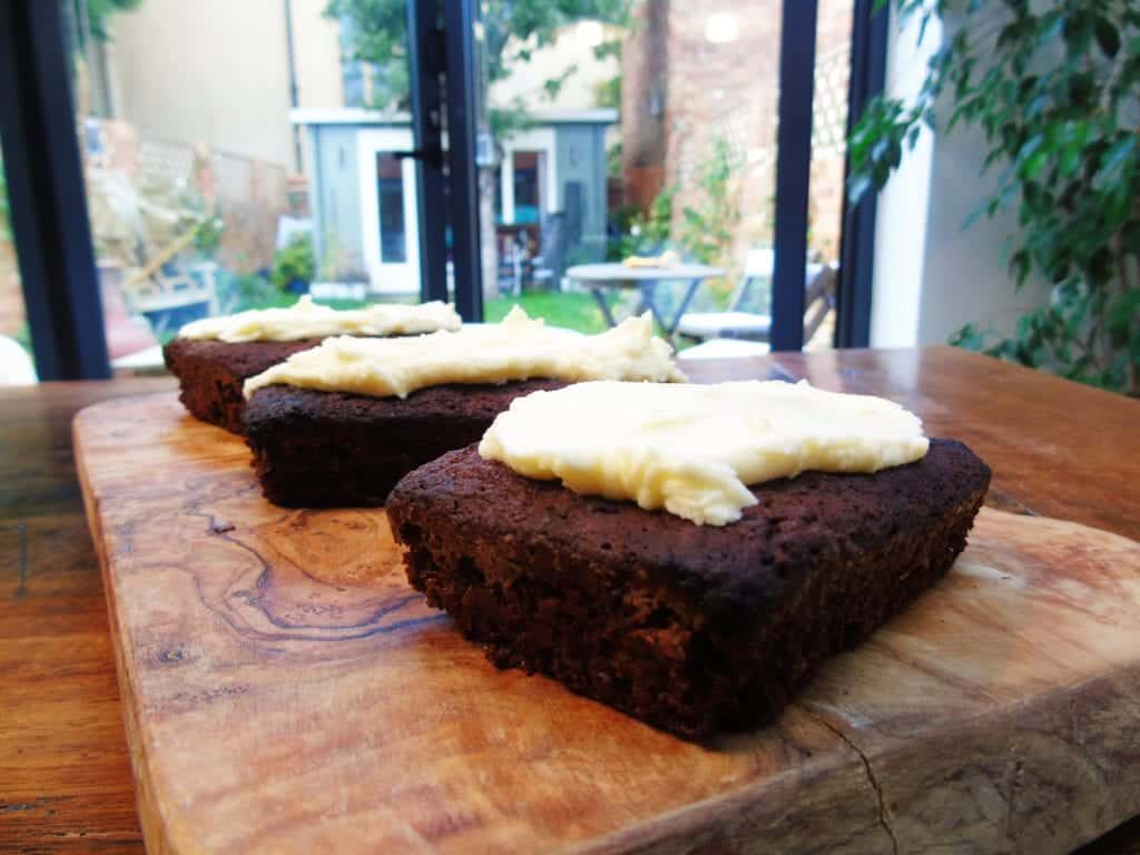 HexB Ginger Cake with Low Syn Buttercream Icing- Slimming World - Baking - Recipe - Healthy - Ginger - Slimming World Recipe - Sukrin - Buttercream Icing - Low Syn Icing - Low Syn Baking - Proper Baking