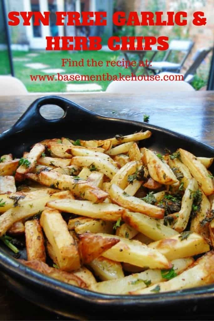 Syn Free Garlic & Herb Chips - Slimming World - Syn Free - Healthy Baking - Parsley - Garlic - Salt & Pepper Chips - Fakeaway Recipe - Fakeaway Ideas - Easy Slimming World Recipe