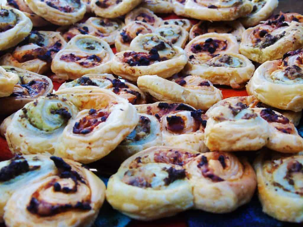Low Syn Puff Pastry Pesto Swirls - Syn Free - Nibbles - Slimming World - Dinner Party - Low Syn Snack - Treat - Party Food