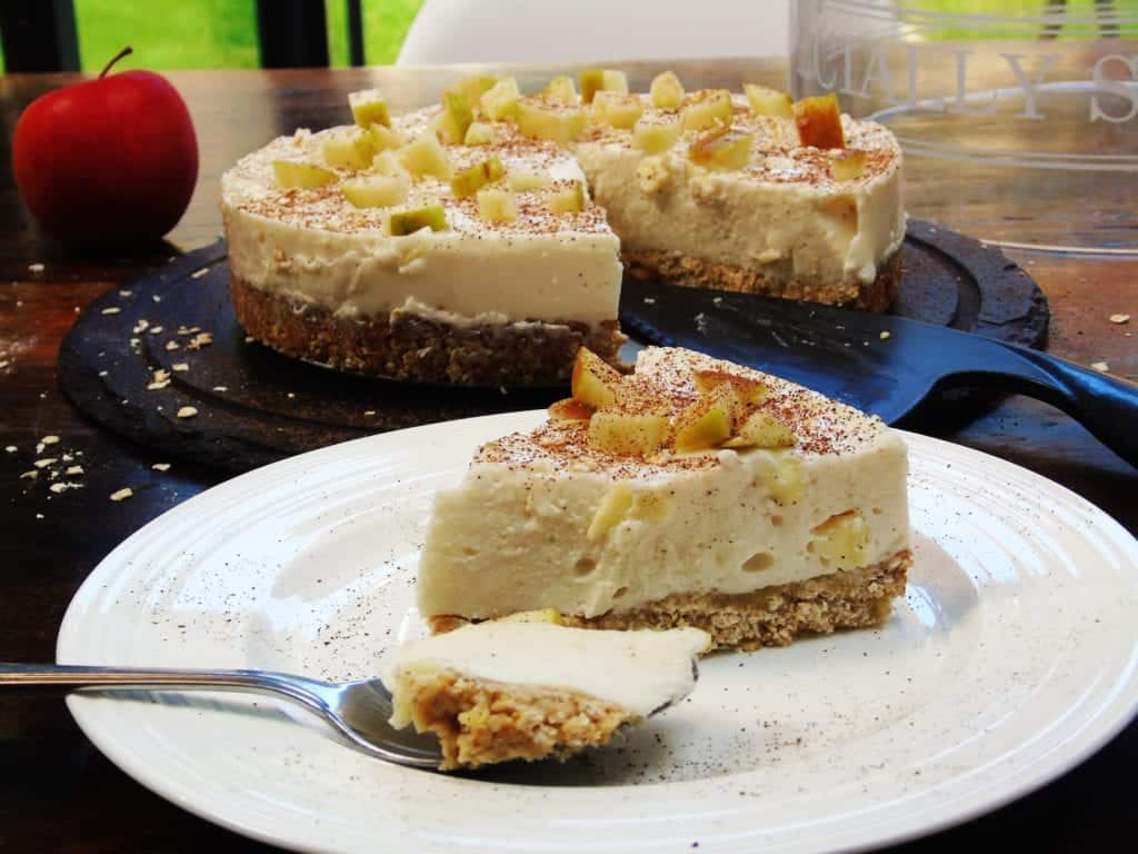Almost Syn Free Apple Crumble Cheesecake - Slimming World - 1 Syn Per Slice - Autumn Recipe