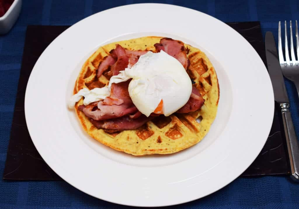 Syn Free Waffles with Poached Egg & Bacon - Syn Free Waffles - Syn Free - Waffles - Bacon - Poached Egg - Slimming World - Healthy