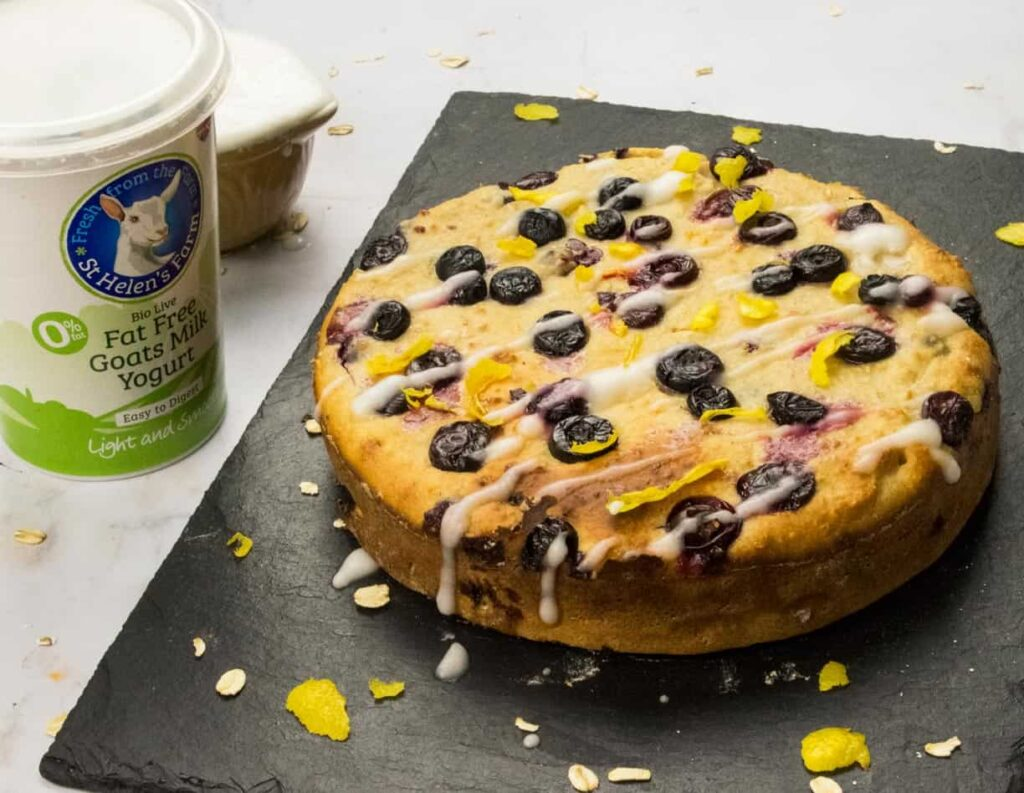 Healthy-Lemon-Blueberry-Yogurt-Cake-slimming-world